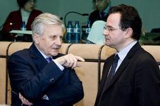 Κατευθυντήριες οδηγίες για την ελληνική οικονομία δίνει ο Ζαν Κλοντ Τρισέ στον υπ. Οικονομικών (φωτό αρχείου).