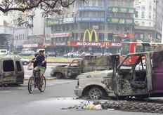 Μετά τα βίαια επεισόδια στο Μπουένος Άιρες, στις 21 Δεκεμβρίου του 2001