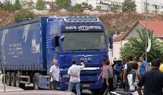 Οι ιδιοκτήτες φορτηγών αποφάσισαν να τερματίσουν τις κινητοποιήσεις τους
