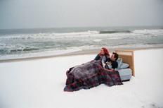 Στην ταινία «Η Αιώνια Λιακάδα ενός Καθαρού Μυαλού» η Κέιτ Γουίνσλετ και ο Τζιμ Κάρεϊ χρησιμοποιούν μια τεχνική με την οποία σβήνουν τις οδυνηρές αναμνήσεις