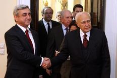 Οι πρόεδροι της Δημοκρατίας Ελλάδας και Αρμενίας στο προεδρικό μέγαρο.