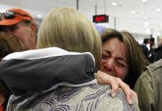 Συγκινητικές στιγμές εκτυλίχθηκαν και στο αεροδρόμιο Ελευθέριος Βενιζέλος της Αθήνας, κατά την άφιξη επιβατών από το Κάιρο