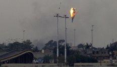 Πολεμικό αεροσκάφος των δυνάμεων του Καντάφι καταρρίπτεται από αντάρτες στα περίχωρα της Βεγγάζης