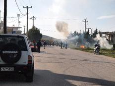 Εικόνες συγκρούσεων στη Λ.Λαυρίου