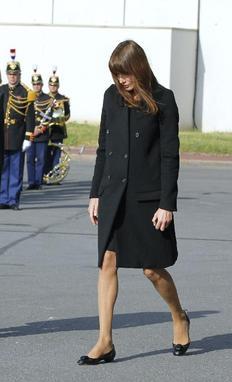 Δίδυμα περιμένει η πρώτη κυρία της Γαλλίας