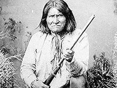 Ο Τζερόνιμο, αρχηγός των ινδιάνων Απάτσι.