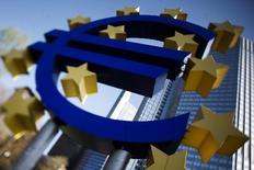 «Κανείς δεν χαρίζει χρήματα στην Ελλάδα» τόνισε η αυστριακή υπουργός Οικονομικών, Μαρία Φέκτερ.